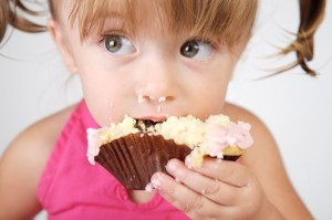 Girl-eating-cupcake