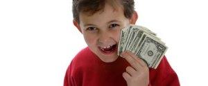 kid_holding_money